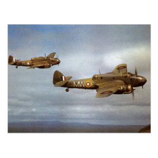 Carte Postale Avions historiques de 2ÈME GUERRE MONDIALE en vol