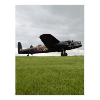Carte Postale Avro Lancaster sur The Field