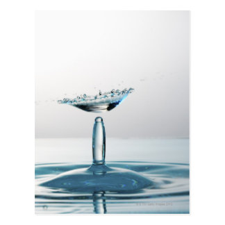 Carte Postale Baisses de l'eau se heurtant pour former un