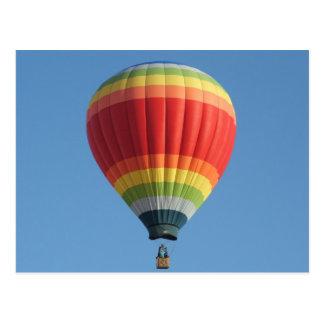 Carte Postale Ballon à air chaud d'arc-en-ciel