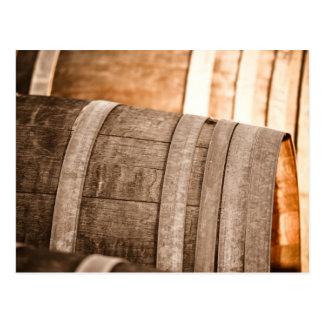 Carte Postale Barils de vin employés pour stocker le vin vintage