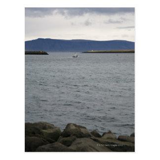 Carte Postale Bateau de pêche quittant le port, Reykjavik,