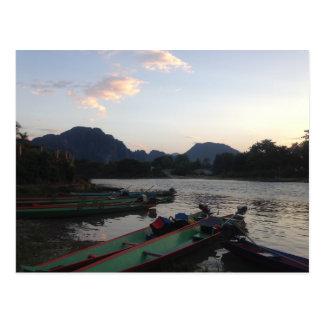 Carte Postale Bateaux dans Vang Vieng