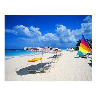 Carte Postale Bateaux et chaises de plage