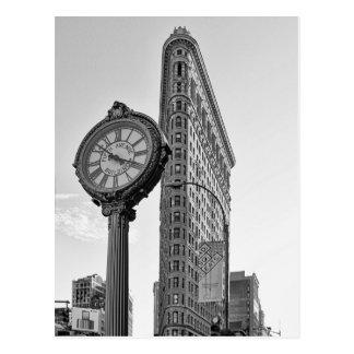 Carte Postale Bâtiment et horloge de Flatiron dans 2 noirs et