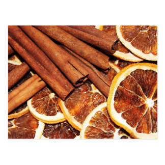 Carte Postale Bâtons de cannelle avec les tranches oranges