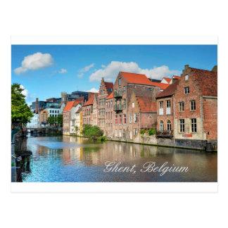 Carte Postale Beau canal et bâtiments médiévaux à Gand