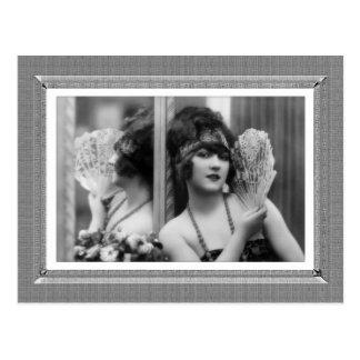 Carte Postale Beauté vintage - réflexion - dans noir et le blanc