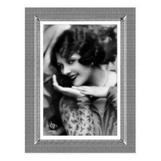 Carte Postale Beauté vintage - starlette - dans noir et le blanc