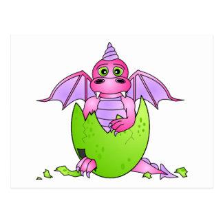 Carte Postale Bébé mignon de dragon en oeuf criqué -