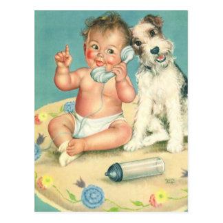 Carte Postale Bébé mignon vintage parlant sur le chiot de