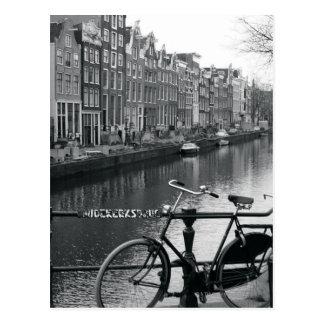 Carte Postale Bicyclette par le canal