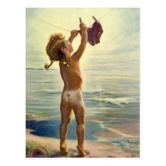 Carte Postale Blanchisserie accrochante d'enfant mignon vintage