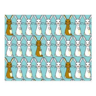 Carte Postale Bleu de défilé de lapin - Brown et Bunbun blanc
