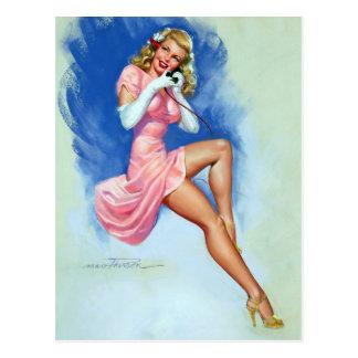 Carte Postale Blonde sur le Pin de téléphone
