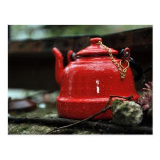Carte Postale Bouilloire de thé rouge romantique