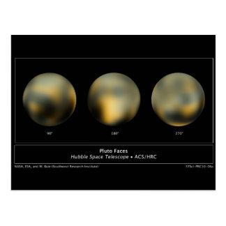 Carte Postale Boule géante de planète de Pluton dans le ciel