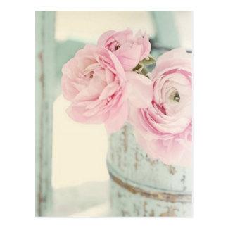 Carte Postale Broc chic minable de fleurs roses