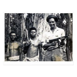 Carte Postale Bûcherons protecteurs de la Nouvelle-Guinée