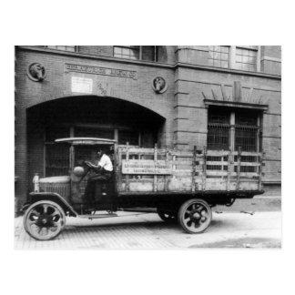 Carte Postale Camion antique de bière, les années 1920