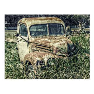 Carte Postale Camion antique vintage de travail de batteur à la
