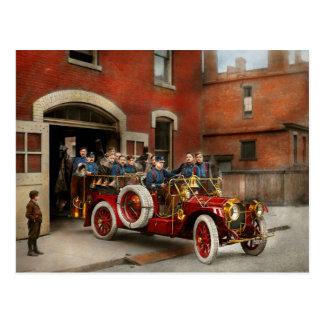 Carte Postale Camion de pompiers - l'escadron 1911 de vol
