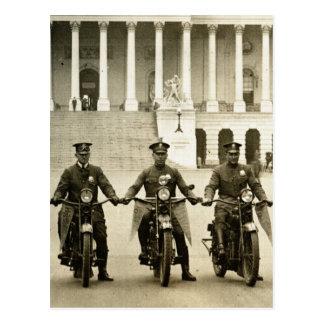 Carte Postale Cannettes de fil de moto vintages des années 1920