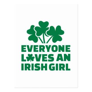 Carte Postale Chacun aime un shamrock irlandais de fille