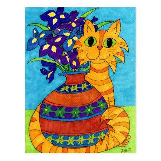 Carte Postale Chat avec des iris dans le vase de Talavera