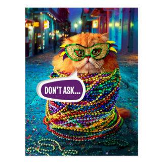 Carte Postale Chat drôle avec les perles colorées au mardi gras