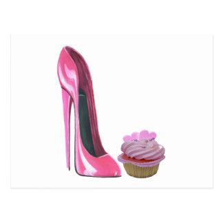 Carte Postale Chaussure stylet rose et petit gâteau rose avec