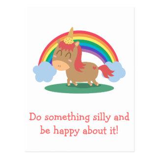 Carte Postale Cheval de Kawaii Brown essayant d'être une licorne