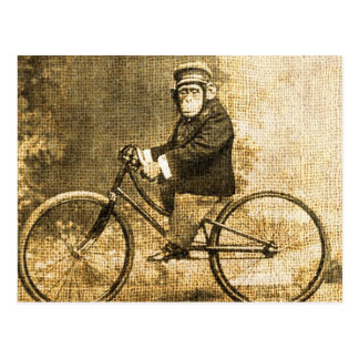 Carte Postale Chimpanzé vintage sur une bicyclette