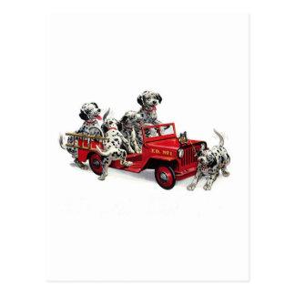 Carte Postale Chiots dalmatiens avec le camion de pompiers