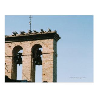 Carte Postale Cloches d'église démodées, Assisi, Italie