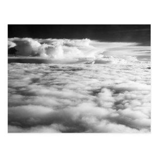 Carte Postale Cloudscape mystérieux au lever de soleil. 2
