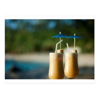 Carte Postale Cocktails tropicaux pour deux