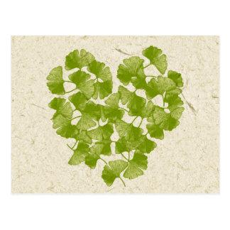 Carte Postale Coeur de feuille de Ginkgo