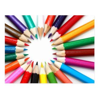 Carte postale colorée de crayon