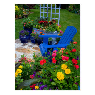 Carte Postale Conception de jardin de récipient avec la chaise