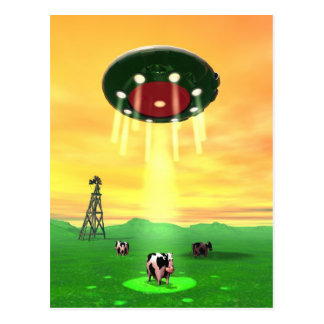 Carte postale cosmique d'abduction de vache