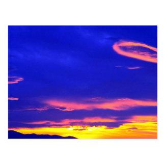 Carte Postale Coucher du soleil au-dessus des collines de