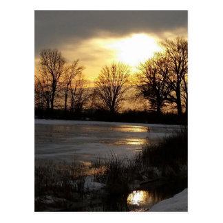 Carte Postale Coucher du soleil sur la neige d'hiver