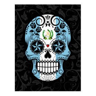 Carte Postale Crâne guatémaltèque de sucre de drapeau avec des