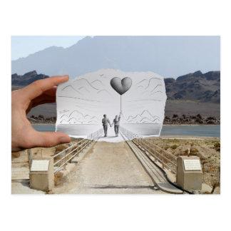 Carte Postale Crayon contre l'appareil-photo - amants