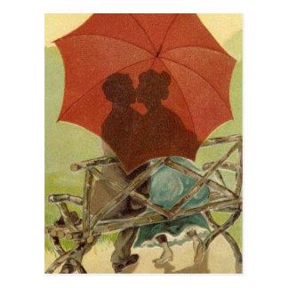 Carte postale d'amants de parapluie