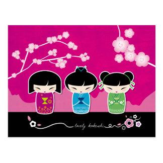 Carte postale de 3 Kokeshi