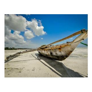 Carte postale de bateau de pêcheur de Zanzibar