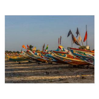 Carte postale de bateaux de pêche de la Gambie