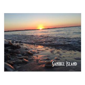 Carte postale de coucher du soleil d'île de